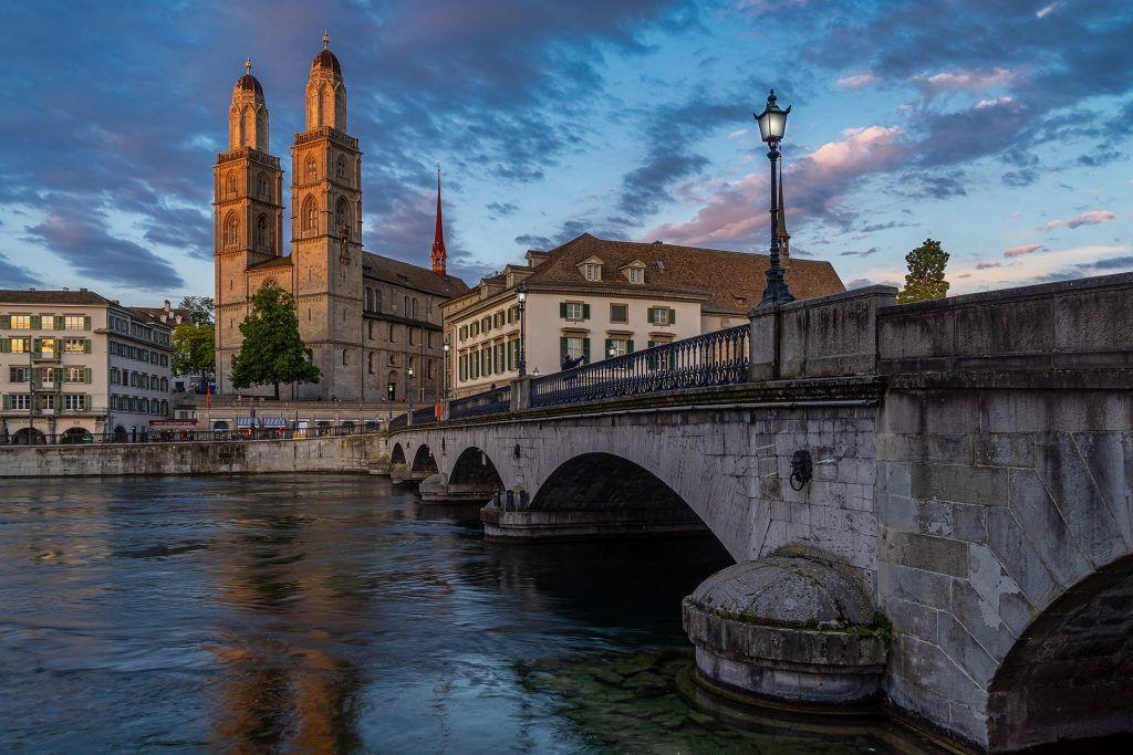 Puente en Zurich