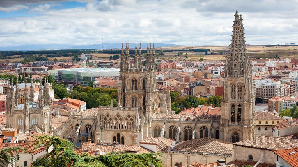 La imagen tiene un atributo ALT vacío; su nombre de archivo es Que-debes-ver-si-visitas-Burgos-en-2021-1024x576.jpg