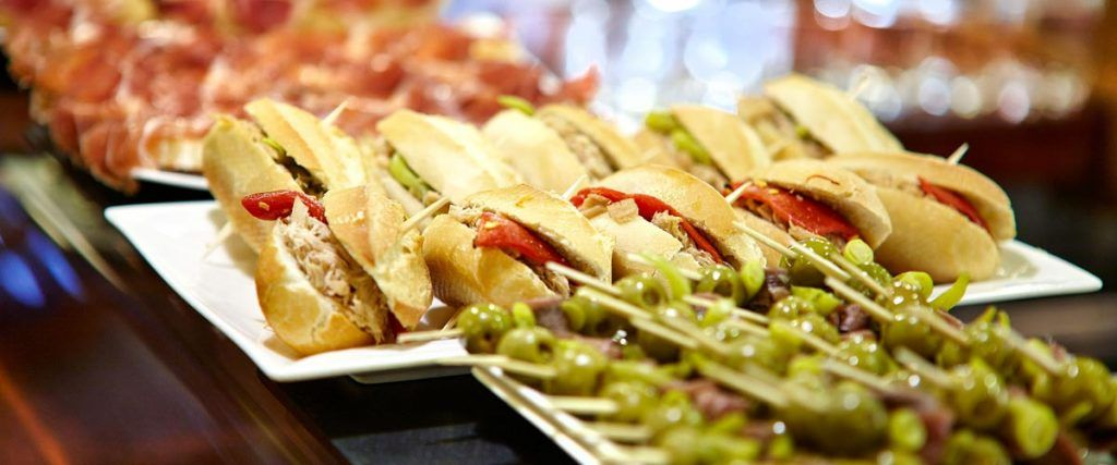 La imagen tiene un atributo ALT vacío; su nombre de archivo es turismo-gastronomico-en-Espana-1-1024x427.jpg