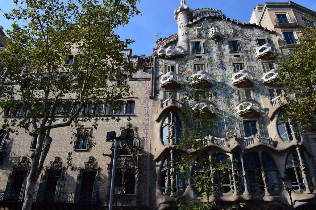 La Casa Batlló una de las obras Gaudí que ver barcelona