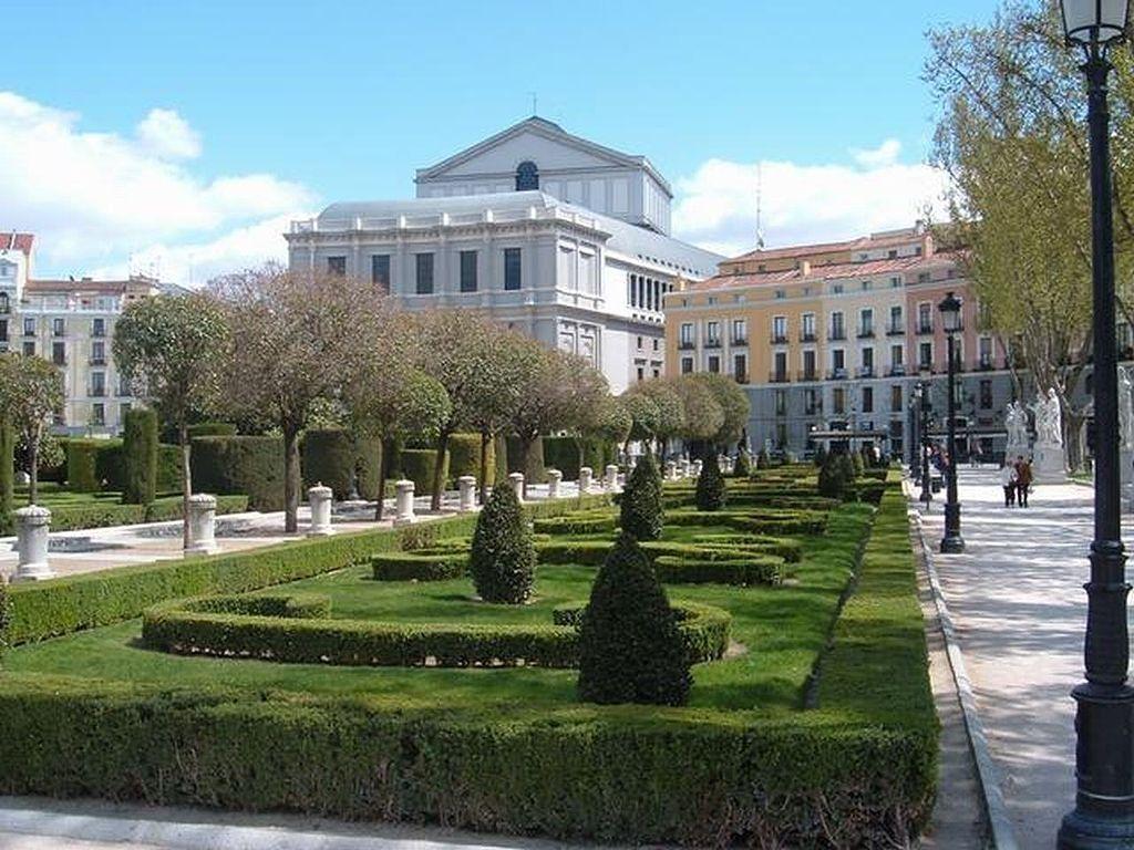 Los Jardines de la Plaza de Oriente