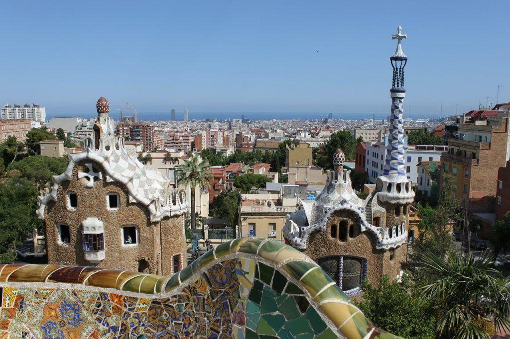 Parque Güell un lugar muy bonito que visitar barcelona