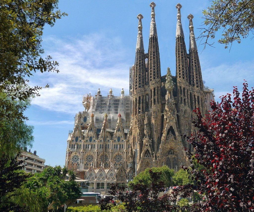 Templo Expiatorio de la Sagrada Familia uno de los primeros lugares favoritos que ver barcelona